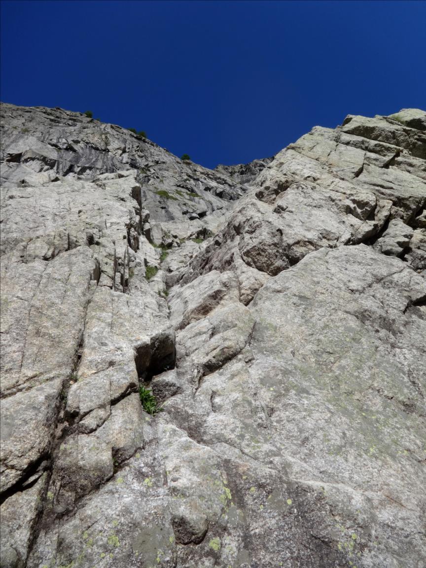 Aiguille du Châtelet, voie Vélociraptor, longueur L1, Val d`Aoste