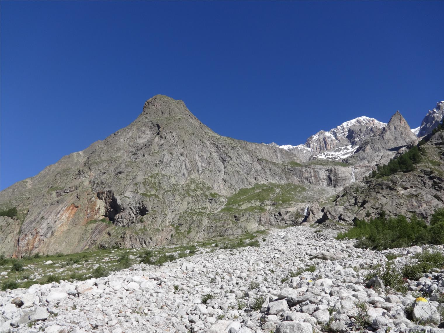 Aiguille du Châtelet, voie Vélociraptor, Val d`Aoste