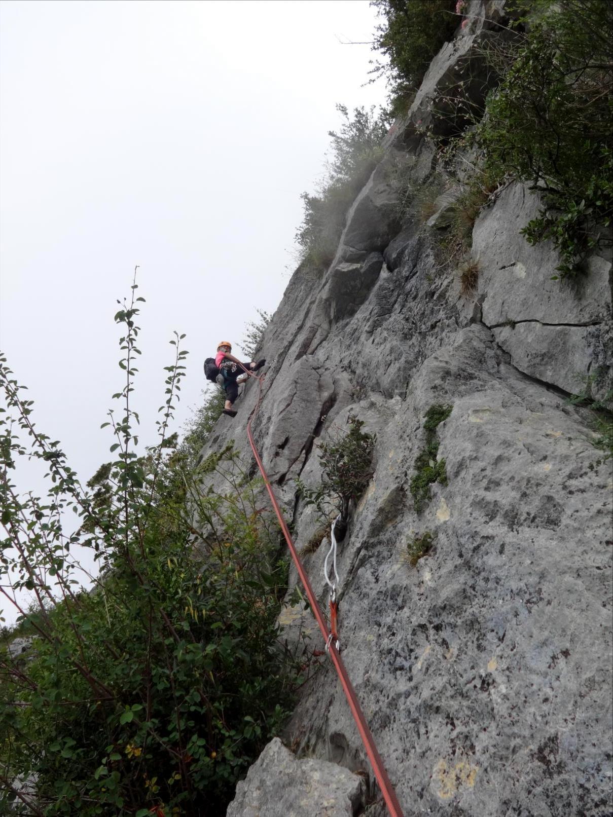 Roc de Calamès, voie `Prélude`, longueur L3, Ariège