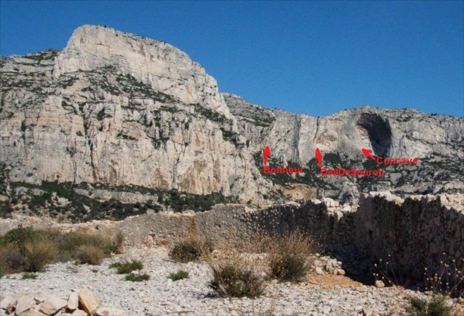 Grandes voies d`escalade au Val Vierge des Calanques