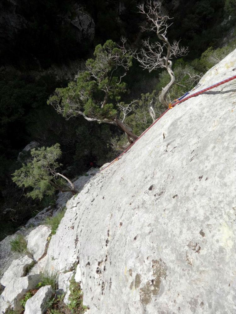 Gorges du Destel près de Toulon, voie `Kapadokya`, L1