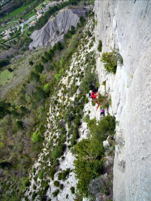 Voie de la grotte, L1, Quiquillon, Orpierre (Hautes-Alpes)