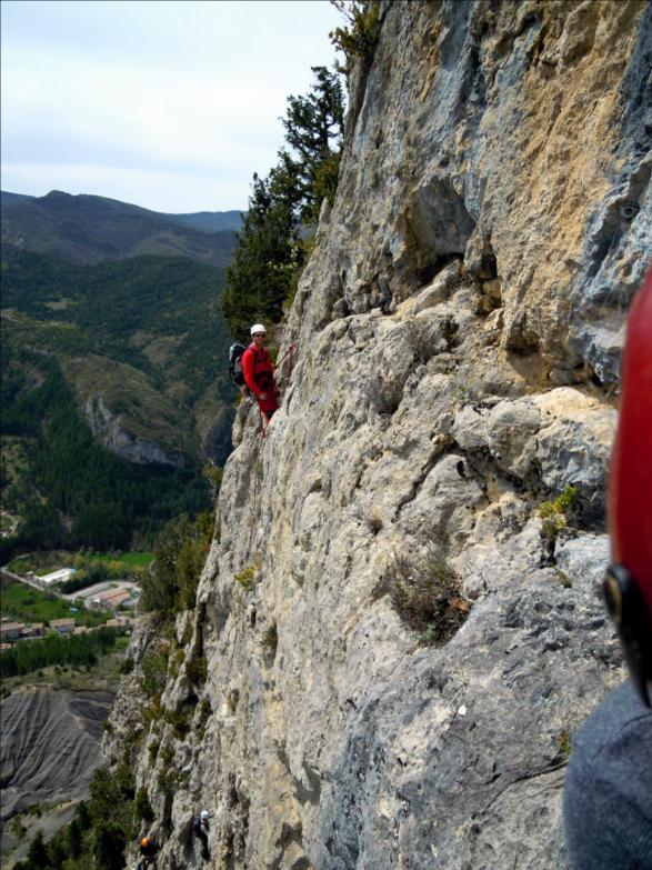 Voie de la grotte, L4, Quiquillon, Orpierre (Hautes-Alpes)