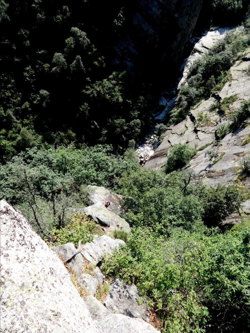 Parete di Embergeria, spigolo dei rododendri, Piémont occidental